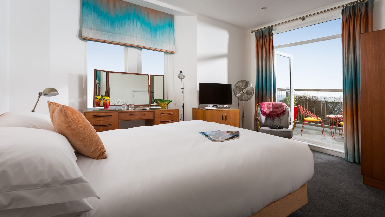 Luxury king room on first floor with sea views