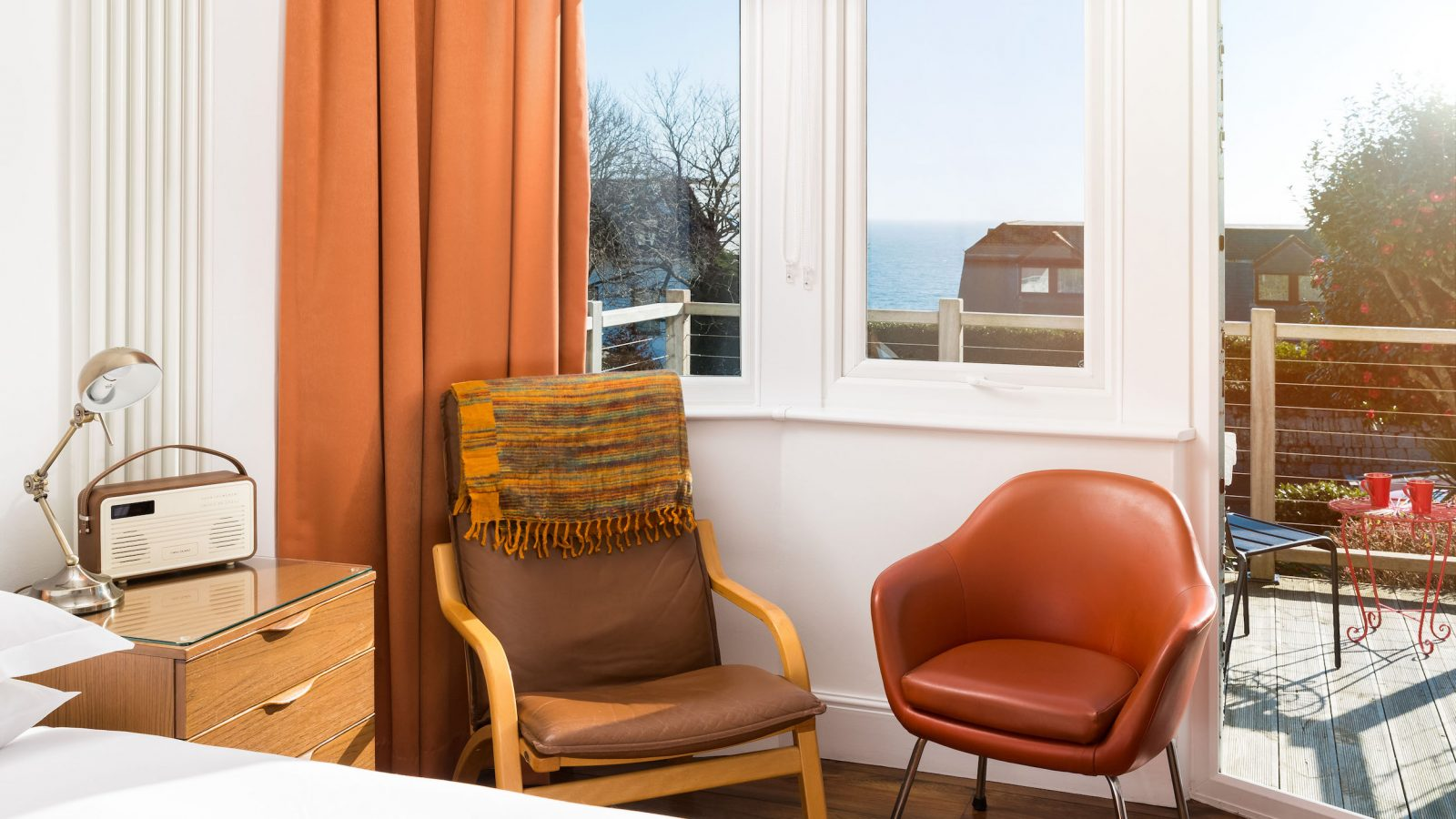 Ground floor king room, sea view, terrace. Dog friendly